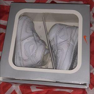 White Nike Airfoce